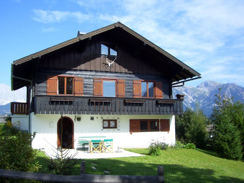 Small Chalet In The Austrian Alps Alpine House Cottage House Plans Countryside House