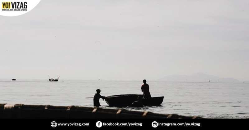 Eight Fishermen From Visakhapatnam Detained In Bangladesh Territorial Waters Visakhapatnam Tuna Fishing