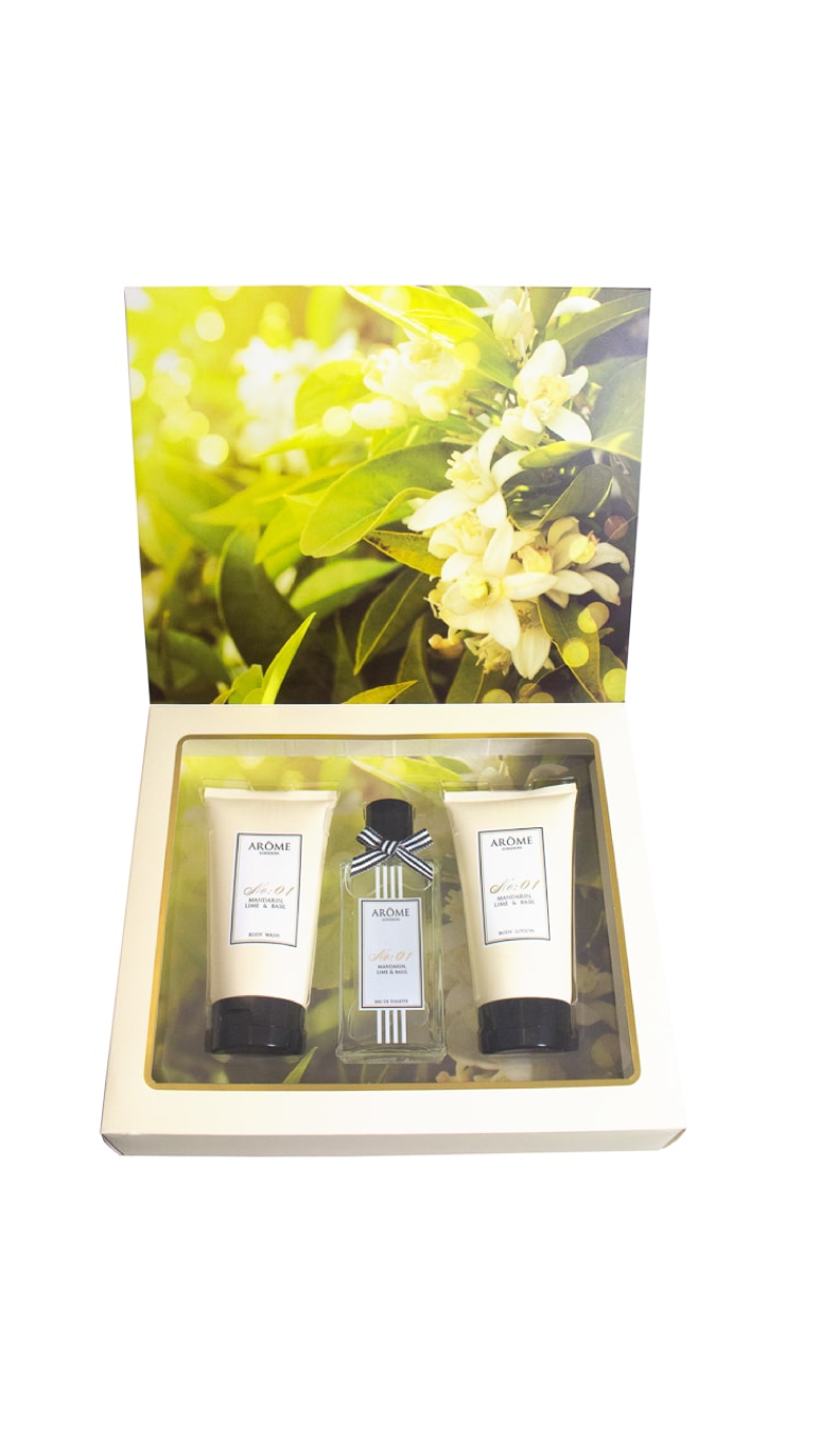 Pin By B M Stores On Valentine S Day B M Valentines Presents Valentine Gifts Gift Packs
