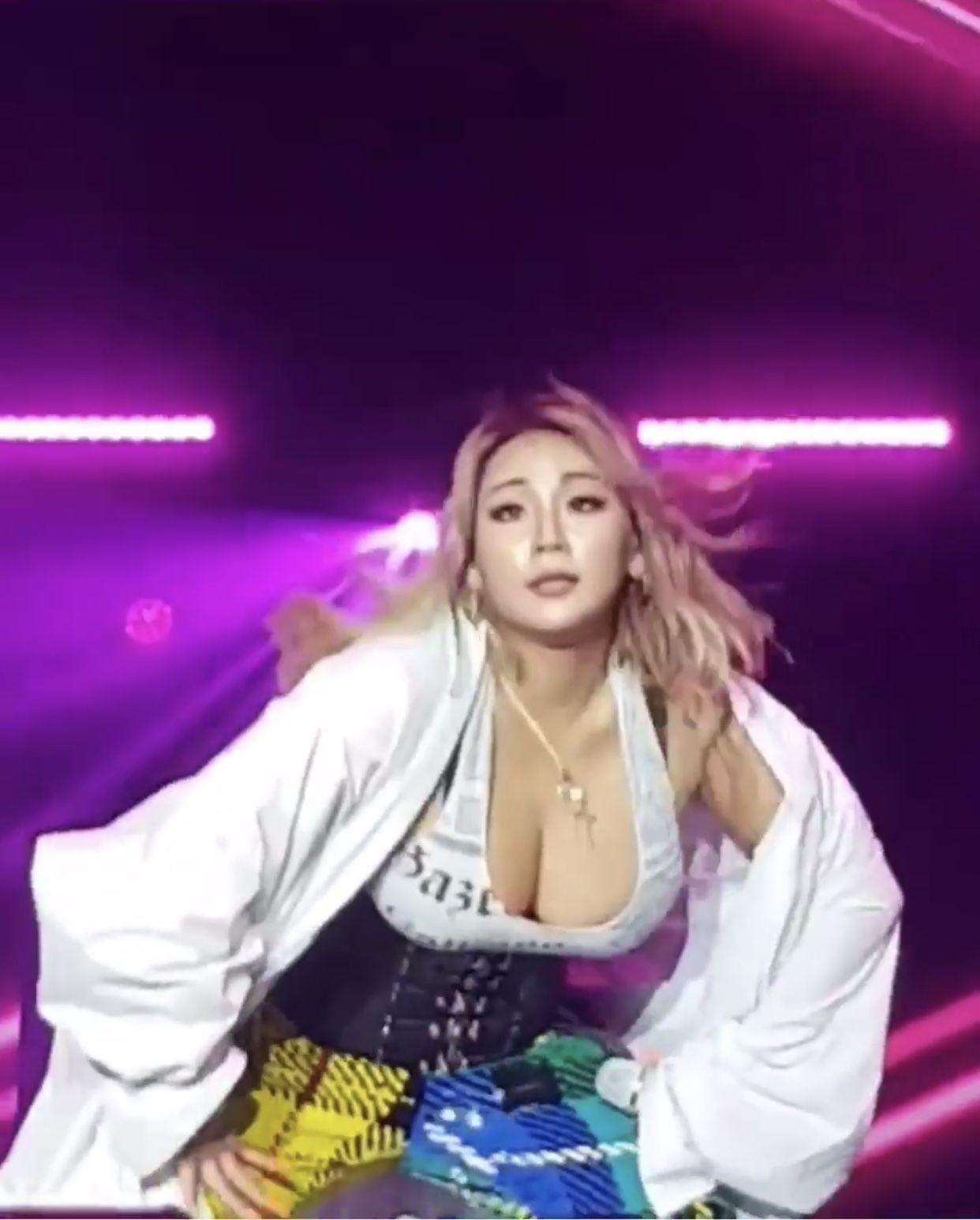 Pin By Tammie Woo On Cl 2ne1 Cl 2ne1 2ne1 Bad Girl