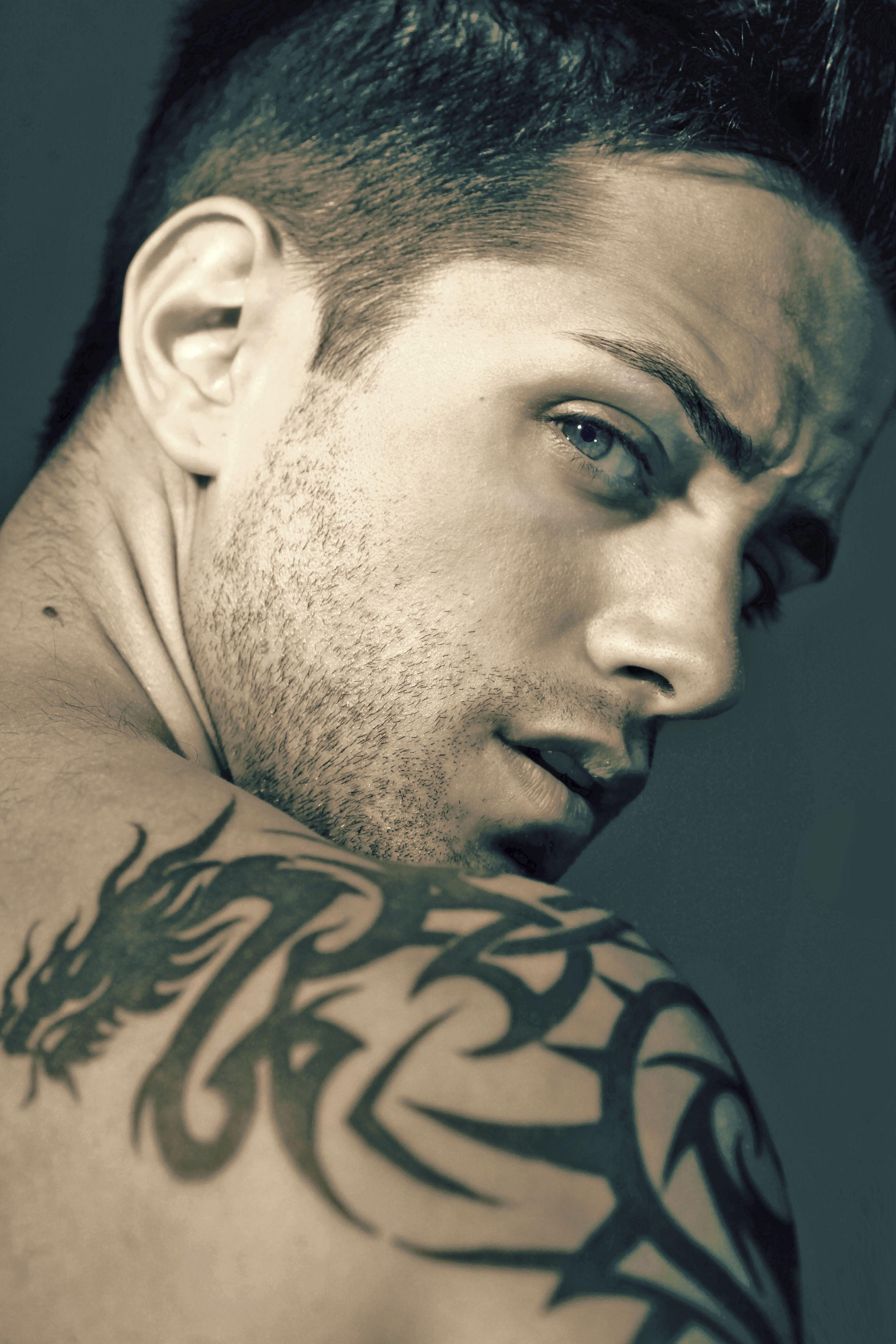 Sloane tattoo artist hero of hidden ink http