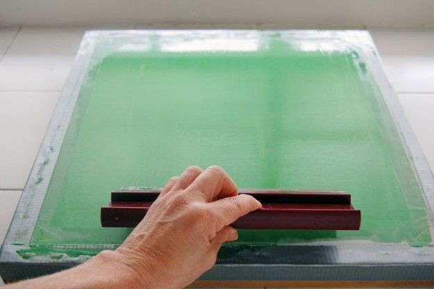 How To Screen Print At Home With Images Diy Screen Printing