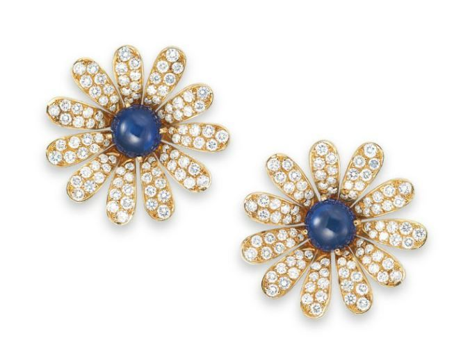 A PAIR OF SAPPHIRE AND DIAMOND EAR CLIPS, BY VAN CLEEF & ARPELS | Christie's