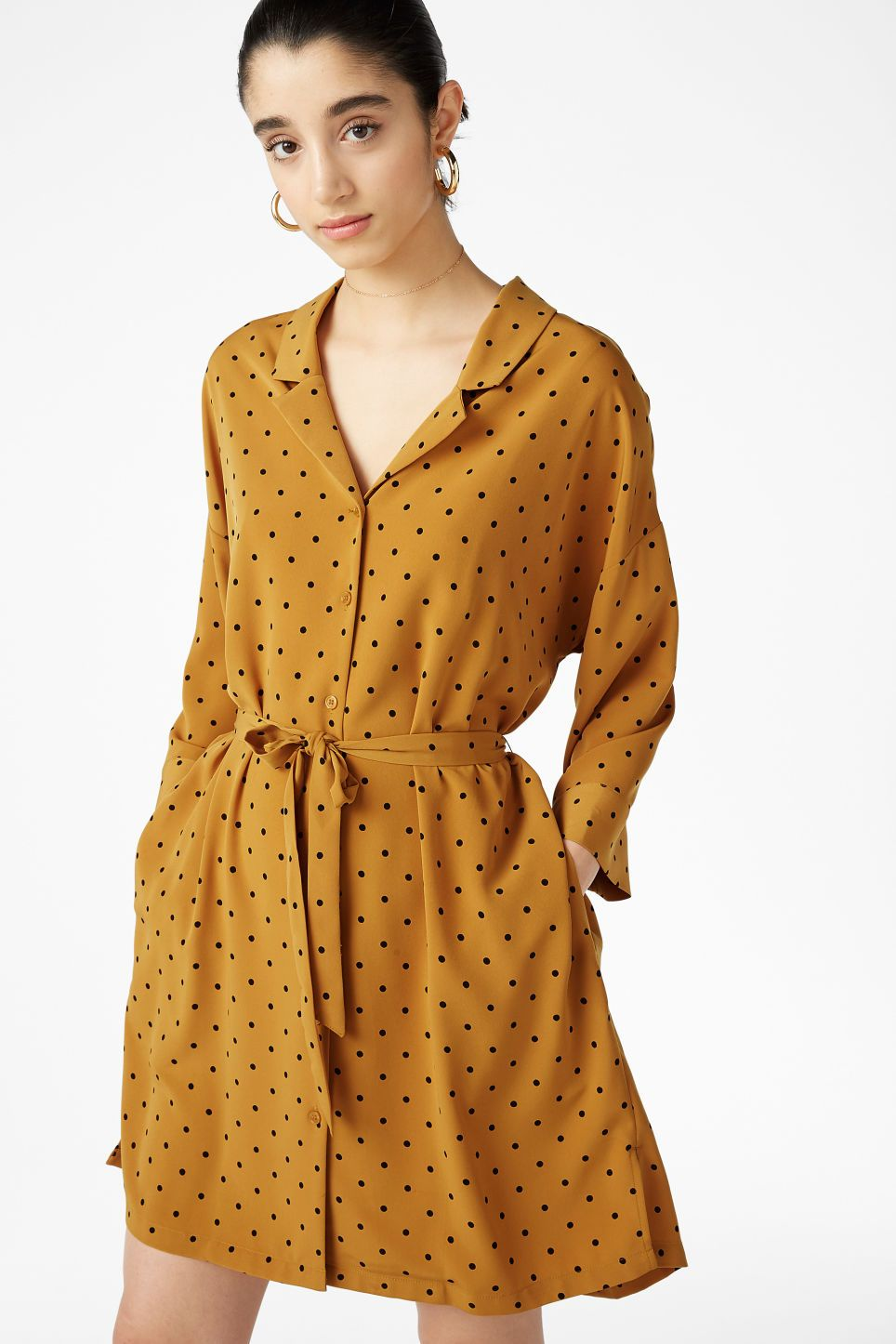 ef1953bf61 A classy knee-length shirt dress that ties in the waist. Super-soft 'n'  flowy with neat pockets hidden in the side seams. Yaas! In a size small the  chest w