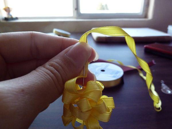 Sakacon: DIY Ribbon Lei