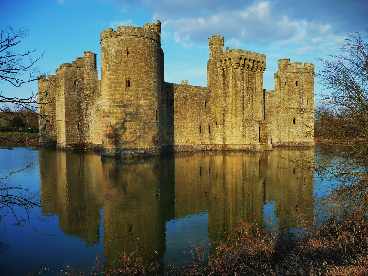 Bodiam Castle Late Afternoon by ~aberlioness on deviantART