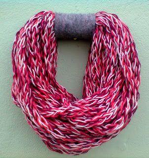 finger knit scarf diy