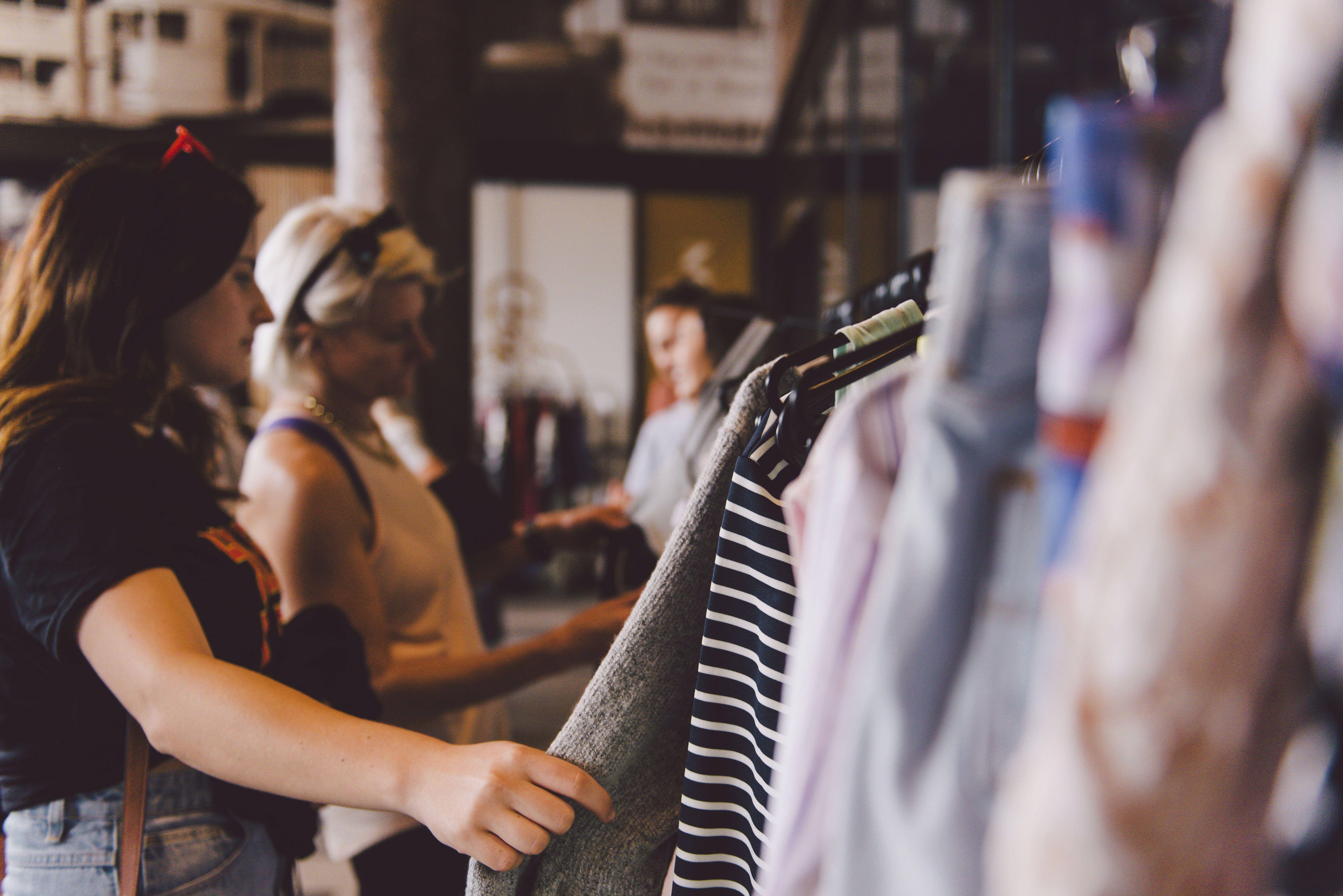 The Market Folk Pre Worn Rack Sale In 2020 Vintage Outfits Brisbane Marketing