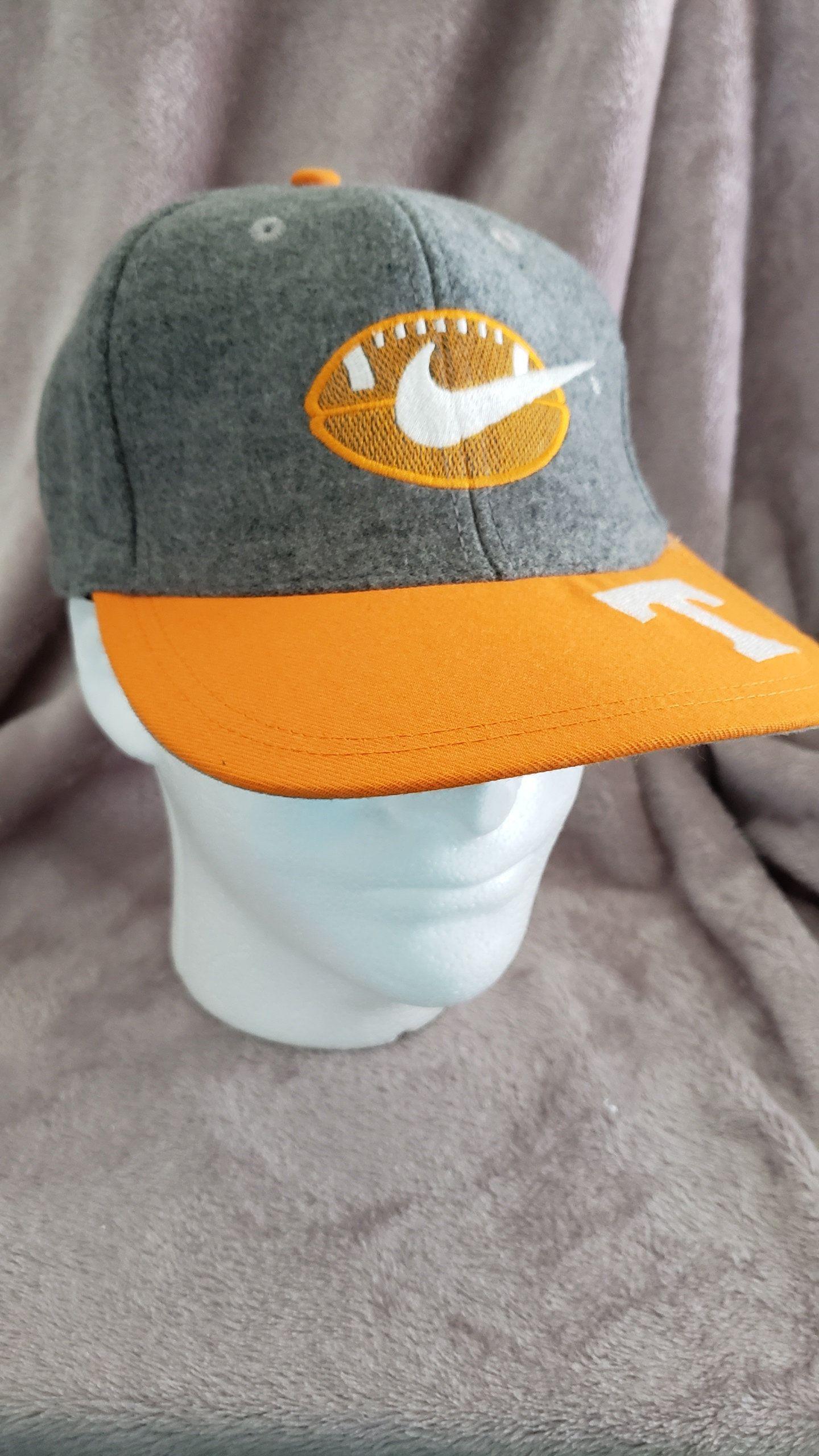 Vintage 90 s Nike White Tag Tennessee Volunteers Football Snapback Hat Cap  Fashion Hype Urban Hip Hop Old School Throwback Gear by RackRaidersVtg on  Etsy 7e4f84c3e29