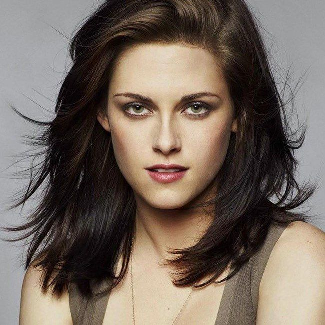 The Most Captivating Celebrity Eyes Women In 2020 Kristen Stewart Actress Kristen Stewart Eyes Shoulder Length Hair