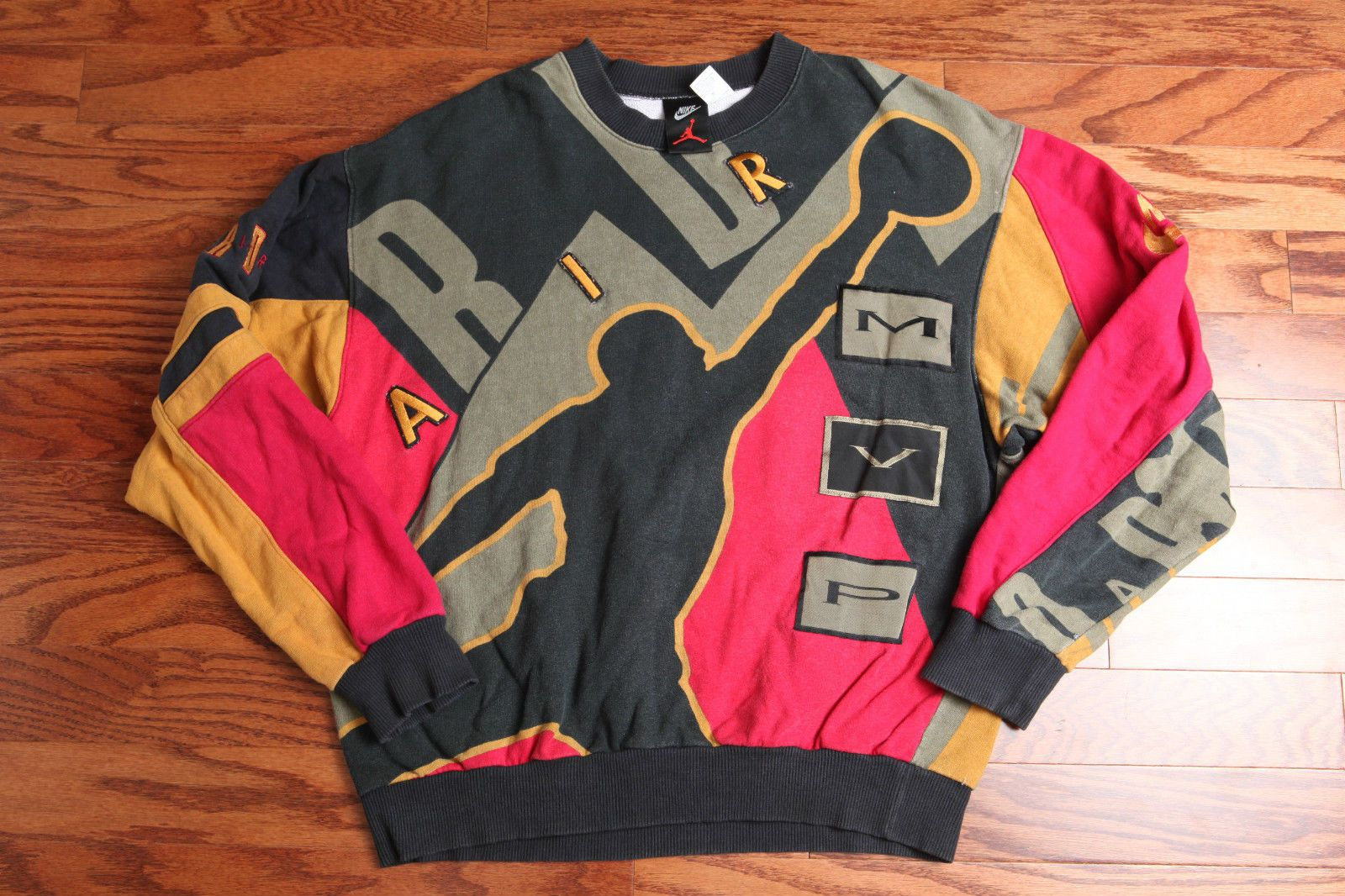 f6fdddcbb14e Men s vintage 90s Nike Air Jordan MVP print all over Sweatshirt Medium M  michael