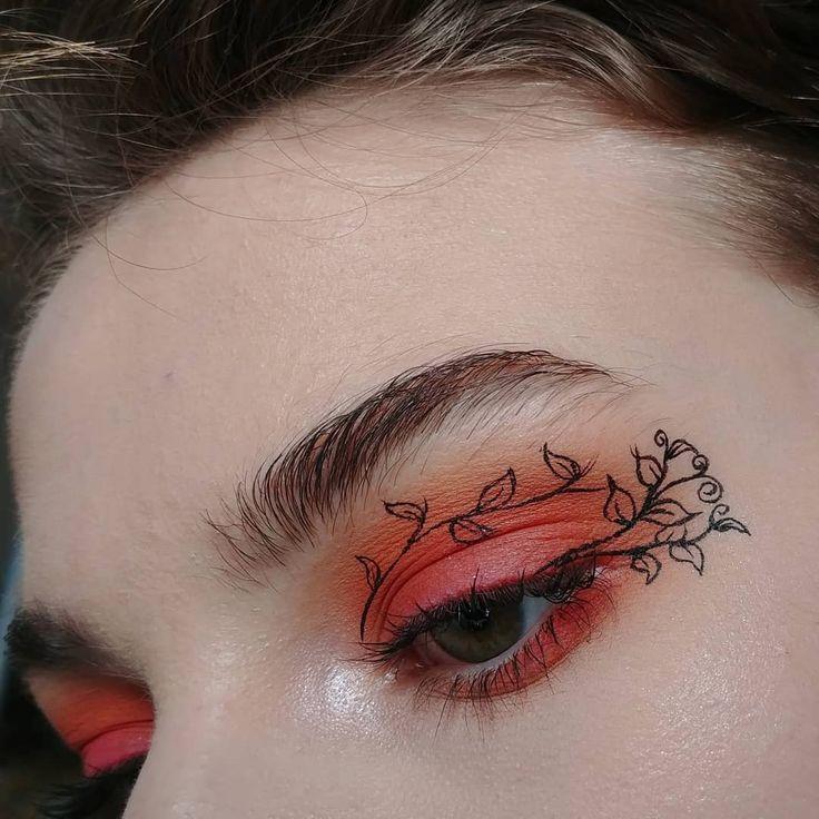 Photo of innerer Zacke des roten orange hellen Augenmake up