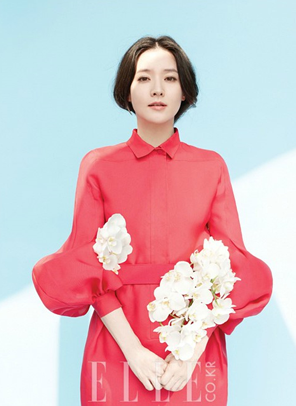 Beautiful actress Lee Young-ae is wearing a hanbok | Lee ...