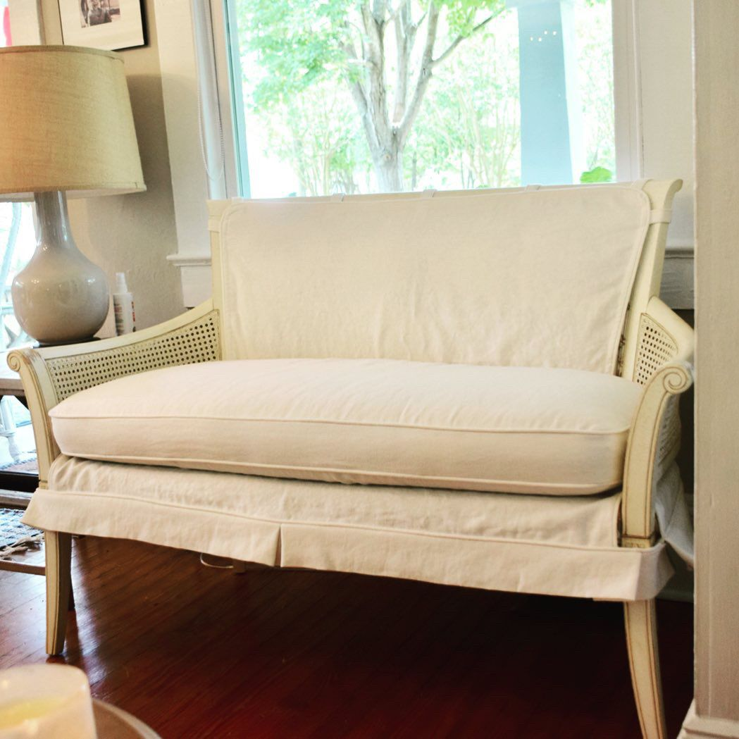 Gorgeous White Linen Slipcover For This Settee Used Tabs And Velcro To Hold Everything In Place Slipcovers White Linen Furniture