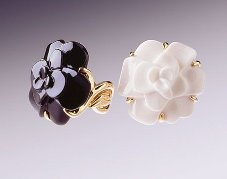 Chanel Camellia Ring Chanel Ring Jewelry Fashion Trends Fashion Jewelry