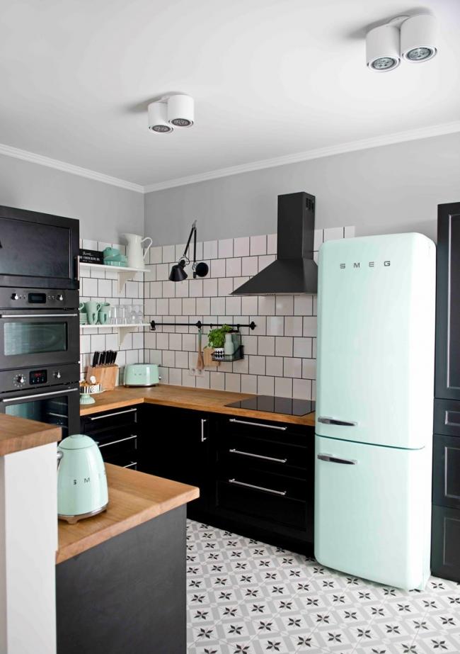 Image Result For Smeg Fridge Kitchen Design Kuchnia Pastele W 2019