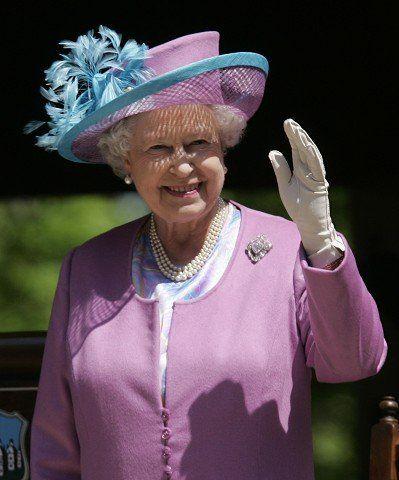 All the queen's hats - Spokesman Mobile - May 8, 2007 #queenshats