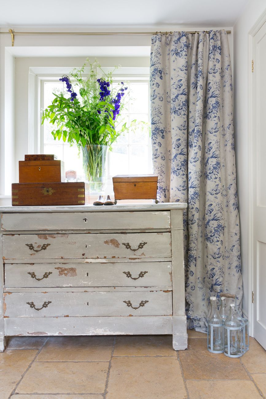 Luv These Curtains Cabbages And Roses Constance Blue Fabric Http  # Beestudio Muebles