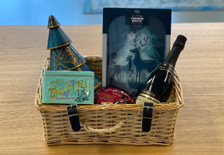 Christmas Hampers in 2020 Christmas hamper, Fortnum and