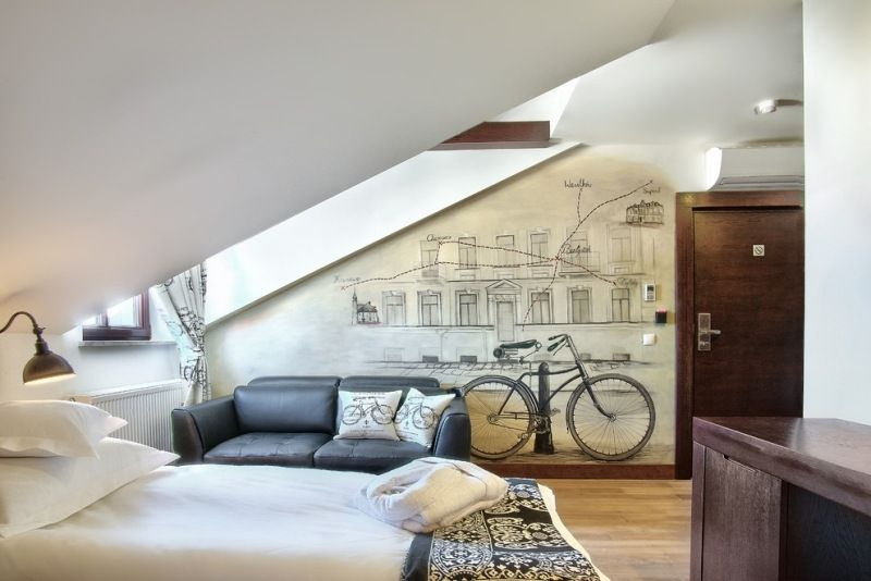 schlafzimmer mit dachschrge gestalten tapeten peppen das interieur auf - Tapeten Schlafzimmer Dachschrage