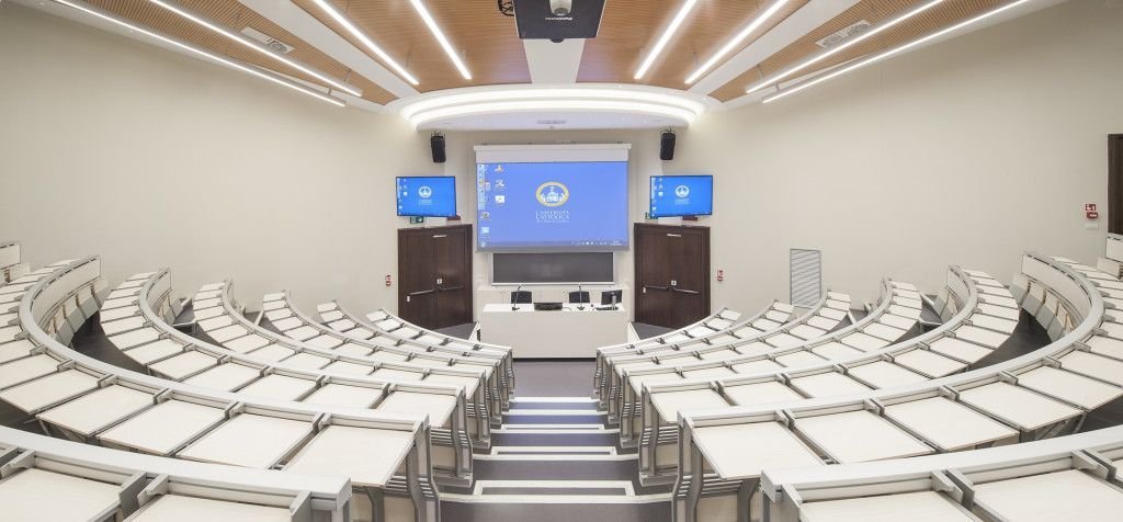 Lamm consolidates its position in the #education sector with the new installation at Università Cattolica del Sacro Cuore in #milan -- #university #unicatt #interiordesign #design #furniture #architecture #seating