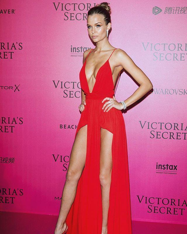 Josephine Skriver   Instagram pink carpet #vsfashionshow #vsfs2016 ...