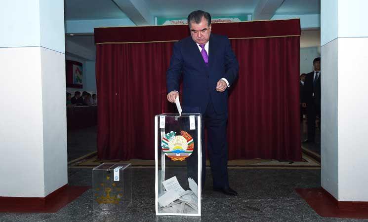 طاجيسكتان تعدل دستورها لتمديد حكم الرئيس إمام رحمانوف