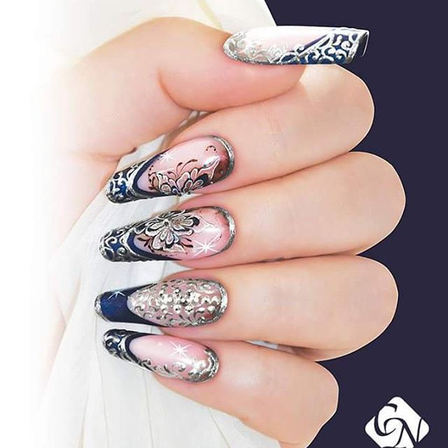 Stunning Marilyn shaped acrylic nails with royal gel, aquarelle ...