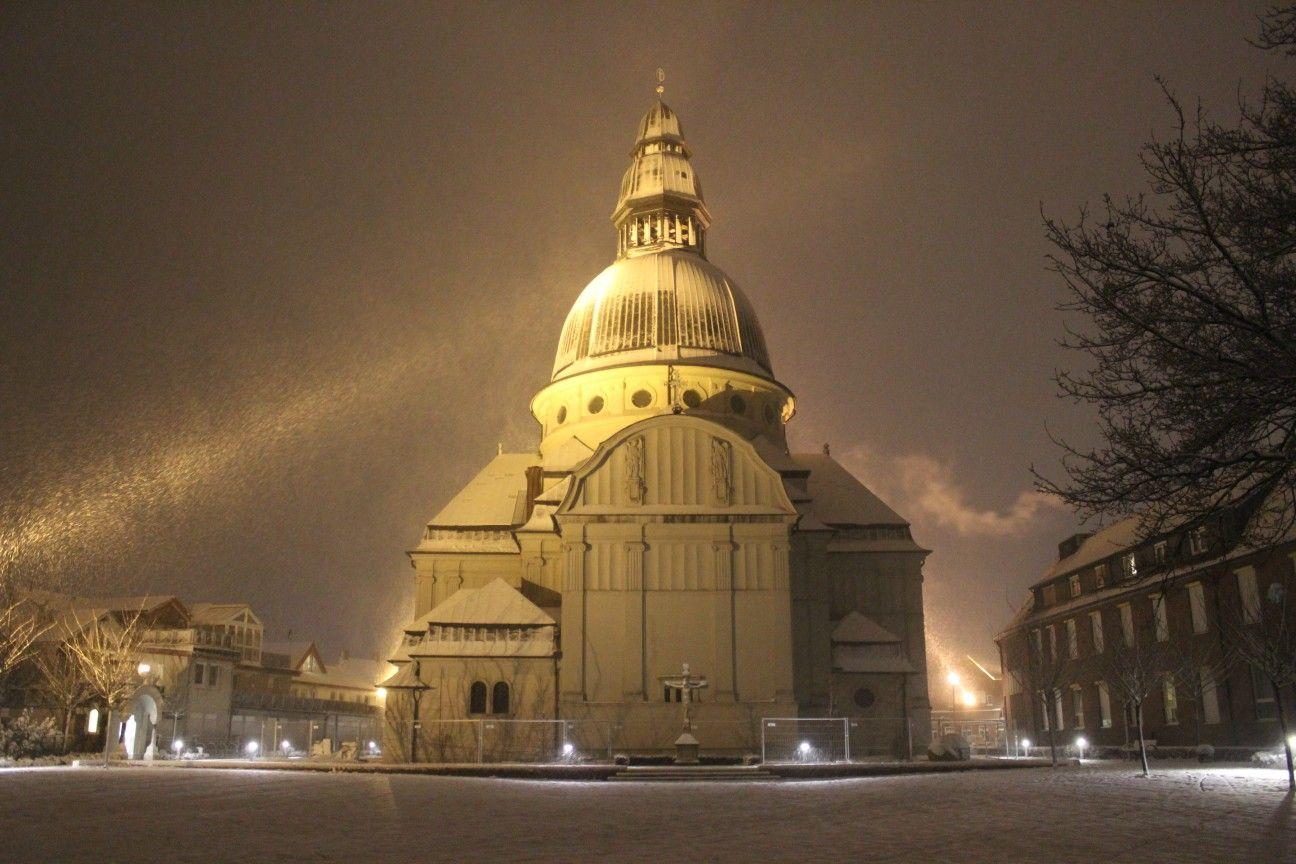 St Martinus Kirche In Haren Ems Im Schnee C Tim Lampen Architektur Kirchen Ems