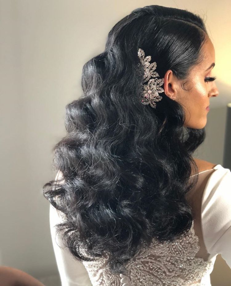 Pin By Daja On Hair For A Goddess Loose Waves Hair Hair Styles Black Wedding Hairstyles