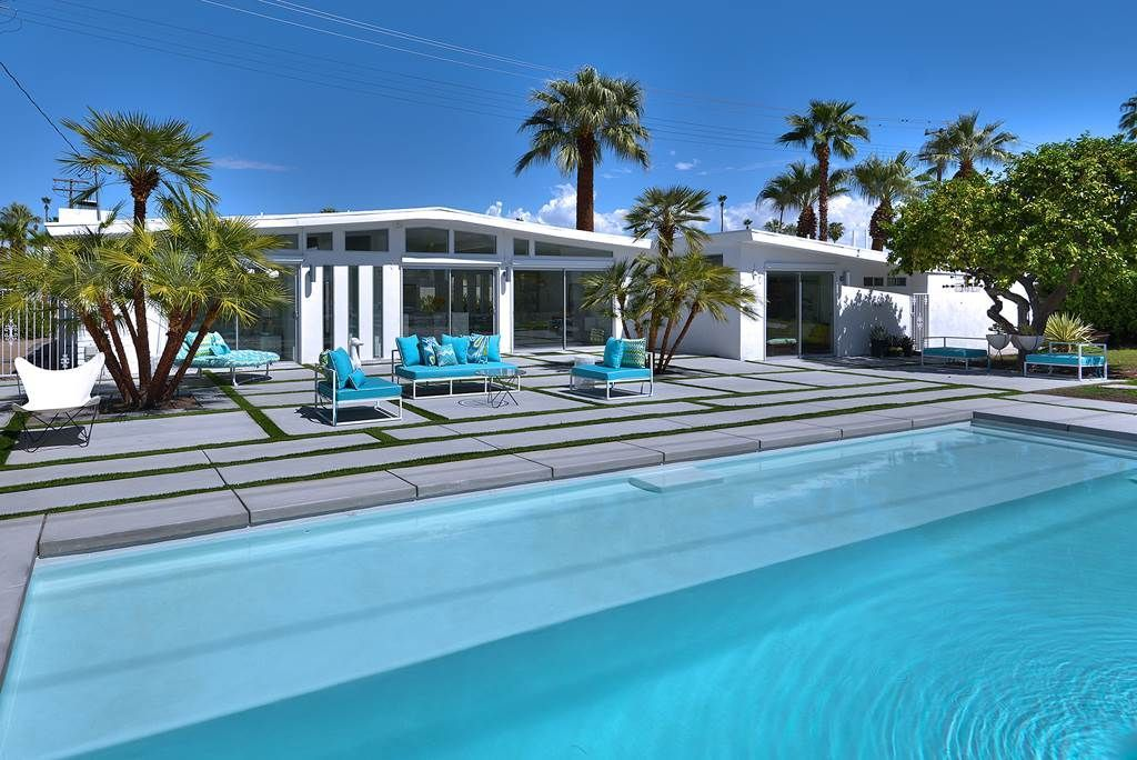 Chic glamorous midcentury home near homeaway palm