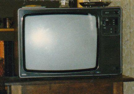 1980'S TV SET   art tv set   1980s tv, Television set, Tv sets