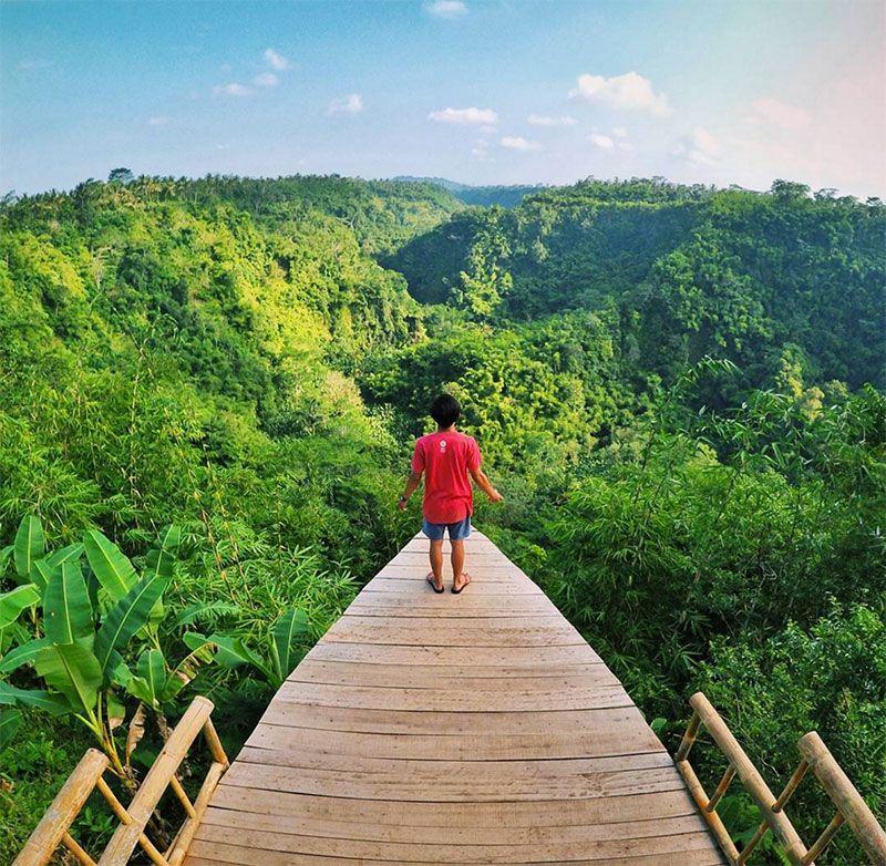 Saatnya Menjauh Dari Destinasi Yang Penuh Sesak Oleh Turis Untuk Melihat Keindahan Alam Paling Spektakuler Di Bali 22 Keajaiban Alam Ini Bali Pariwisata Alam