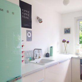 Nice Retro K hlschrank der Kultmarke Smeg in Mintgr n interior kitchen design GasherdWasserkocherIkea K cheRetro