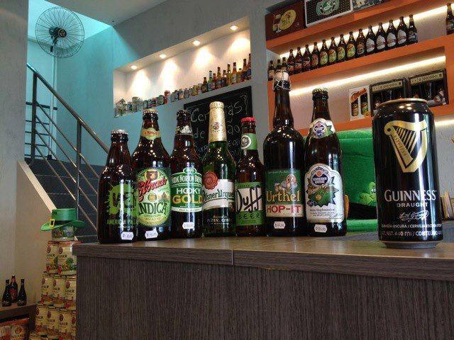 Evento de comemoração ao Dia de São Patrício que aconteceu na loja Mestre-Cervejeiro.com em Curitiba, PR. Apesar da chuva e do frio (!!) a festa foi ótima!!! - Obrigado a todos cervejeiros!  #cerveja #beer #stpatricks