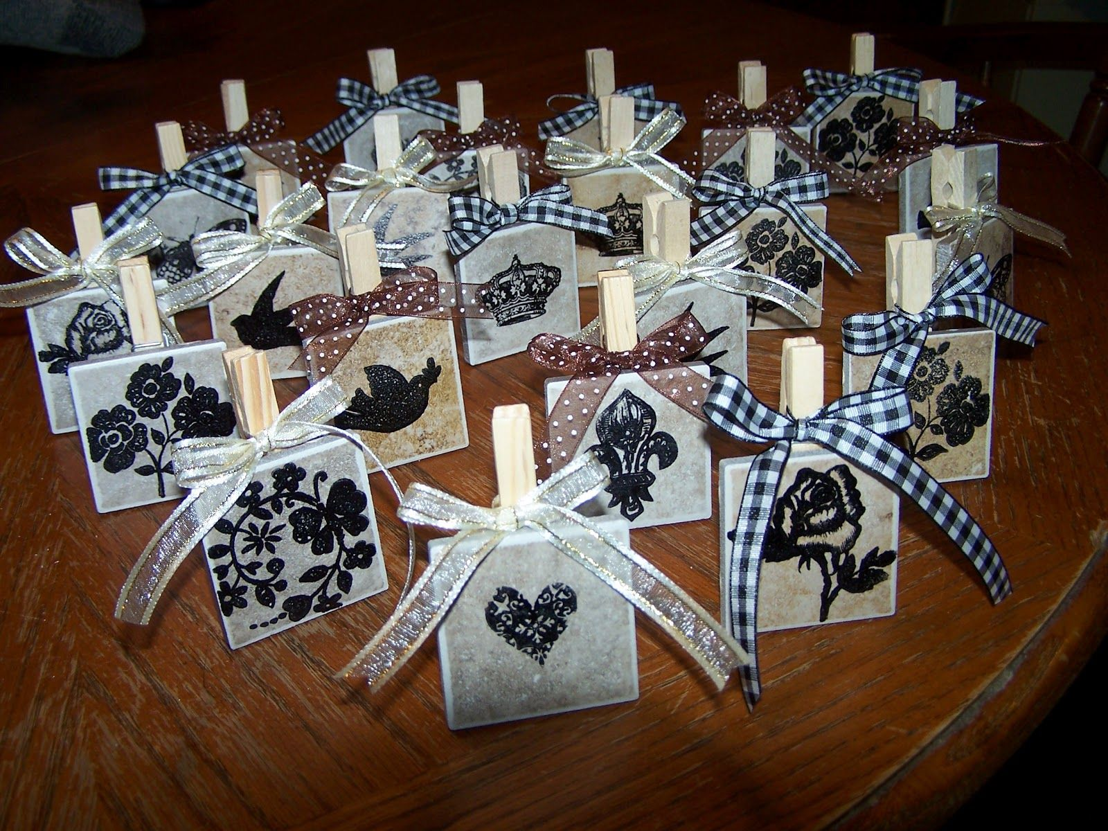Make photo holders from clothespins and small tiles cheap Cheap mothers day gift ideas to make