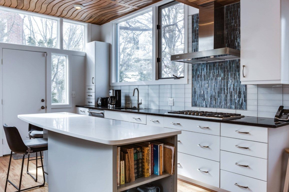 Check Out This Stunning White Kitchen Designed By Daniel Altmann Of Reico Kitchen Bath In Bethesda Md Modern Kitchen Remodel Kitchen Design Kitchen Remodel