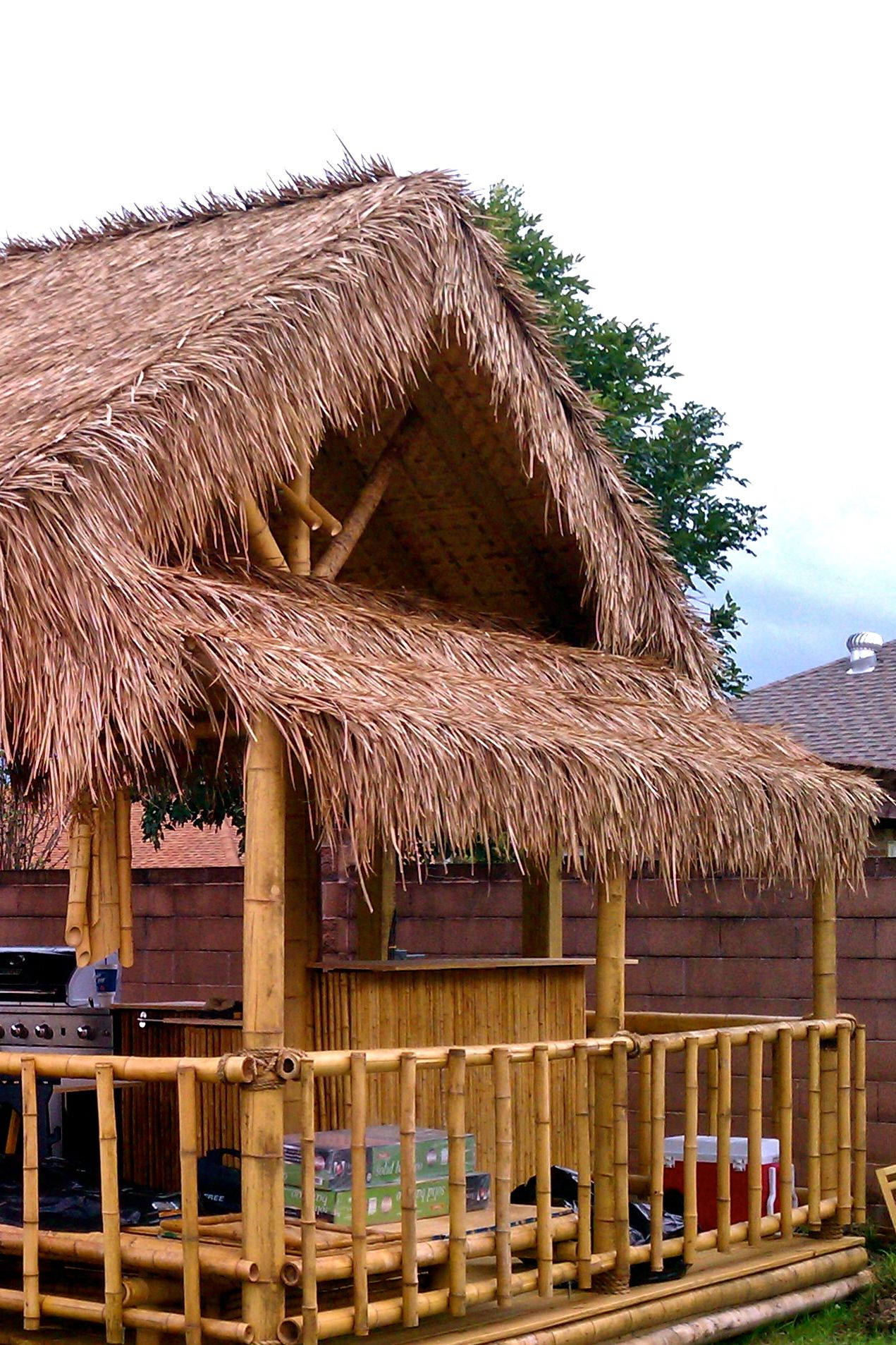 Palm Thatch Photos In 2019 Bamboo Roof Tiki Hut