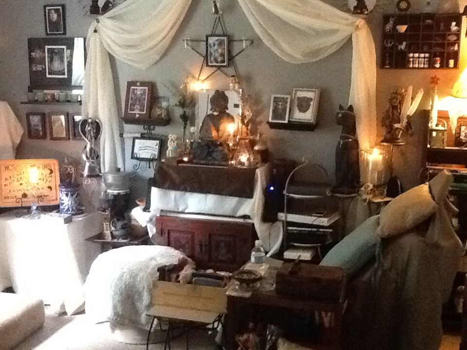 Home Wiccan Room My Space Pinterest Room And Spaces