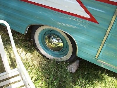 Vintage Travel Trailer C...