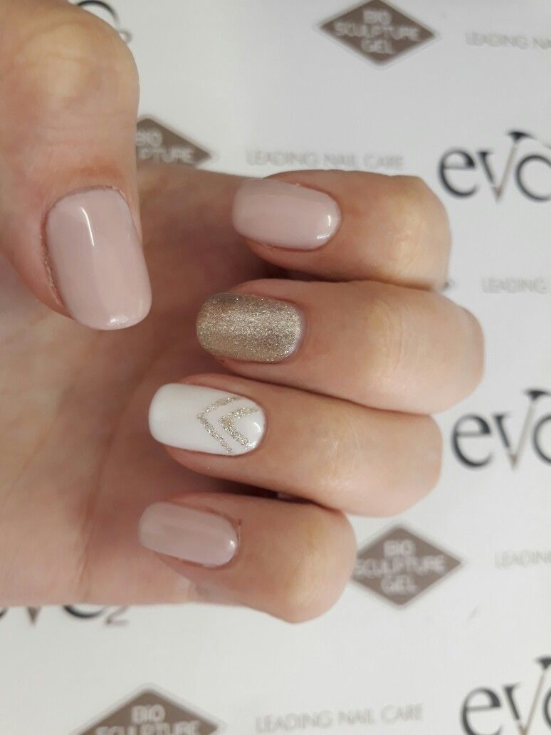 Evo Bio Sculpture Nails Design Retro Glitter Gold Pink Nude White Design Art Gel Nails