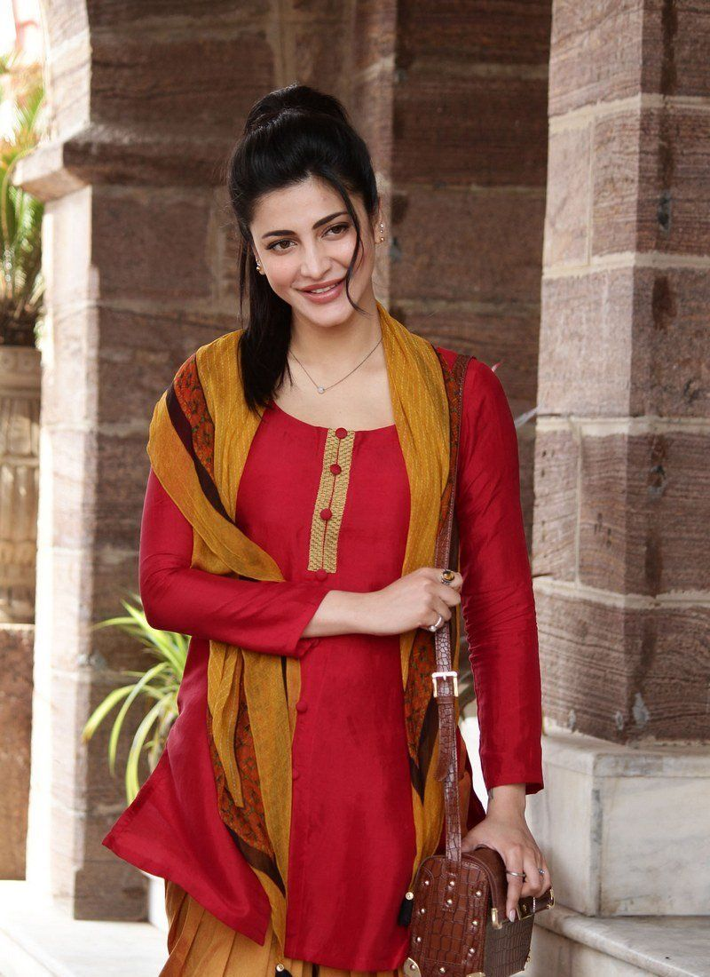 Gorgeous Indian Girl Shruti Haasan Photos From Singam 3 Movie With Images Indian Celebrities Beautiful Bollywood Actress Beautiful Indian Actress