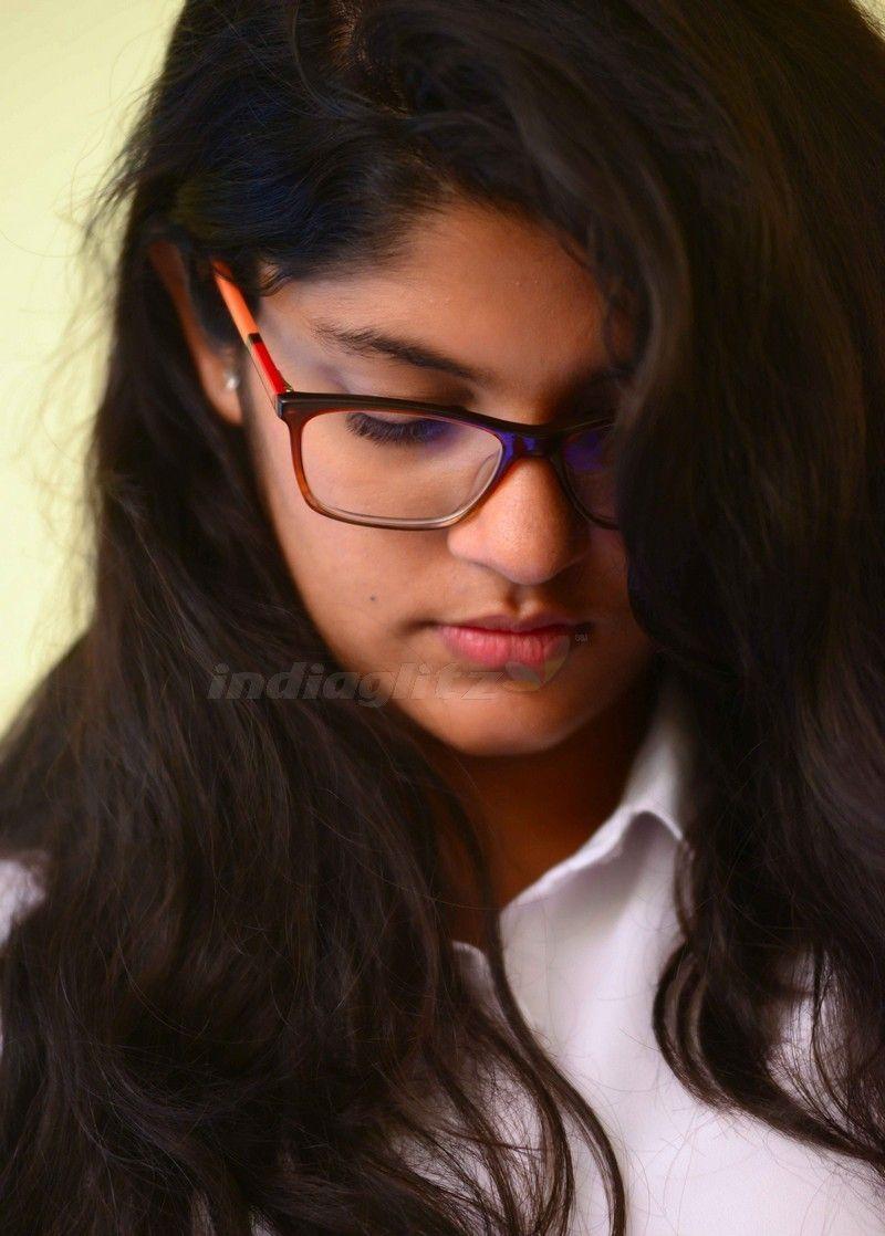 Aparna Balamurali Beauty Girl Desi Beauty Beauty