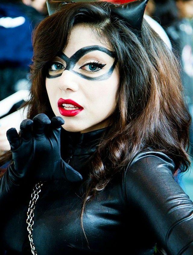 9 Different Cat Halloween Costumes That Arent Basic  Halloween  Maquillaje Halloween, Cosplay -6929