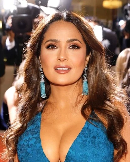 All The Details Behind Salma Hayek's Golden Globes Make-Up