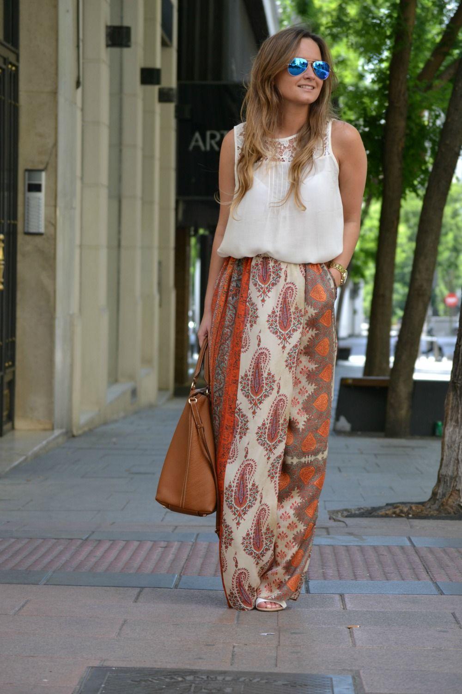 Pantalón/Trousers: Zara (New) Camiseta/T-shirt: Zara (New) Sandalias/Sandals: Choies Bolso/Bag: CH Gafas/Sunglasses: Ray-Ban. Óptica Holgueras