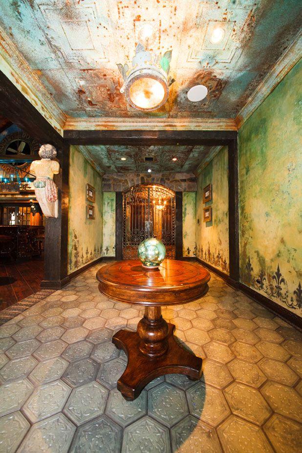 Leslie Alexander\'s Société du Vin: Where Hamptons Meets Hollywood ...