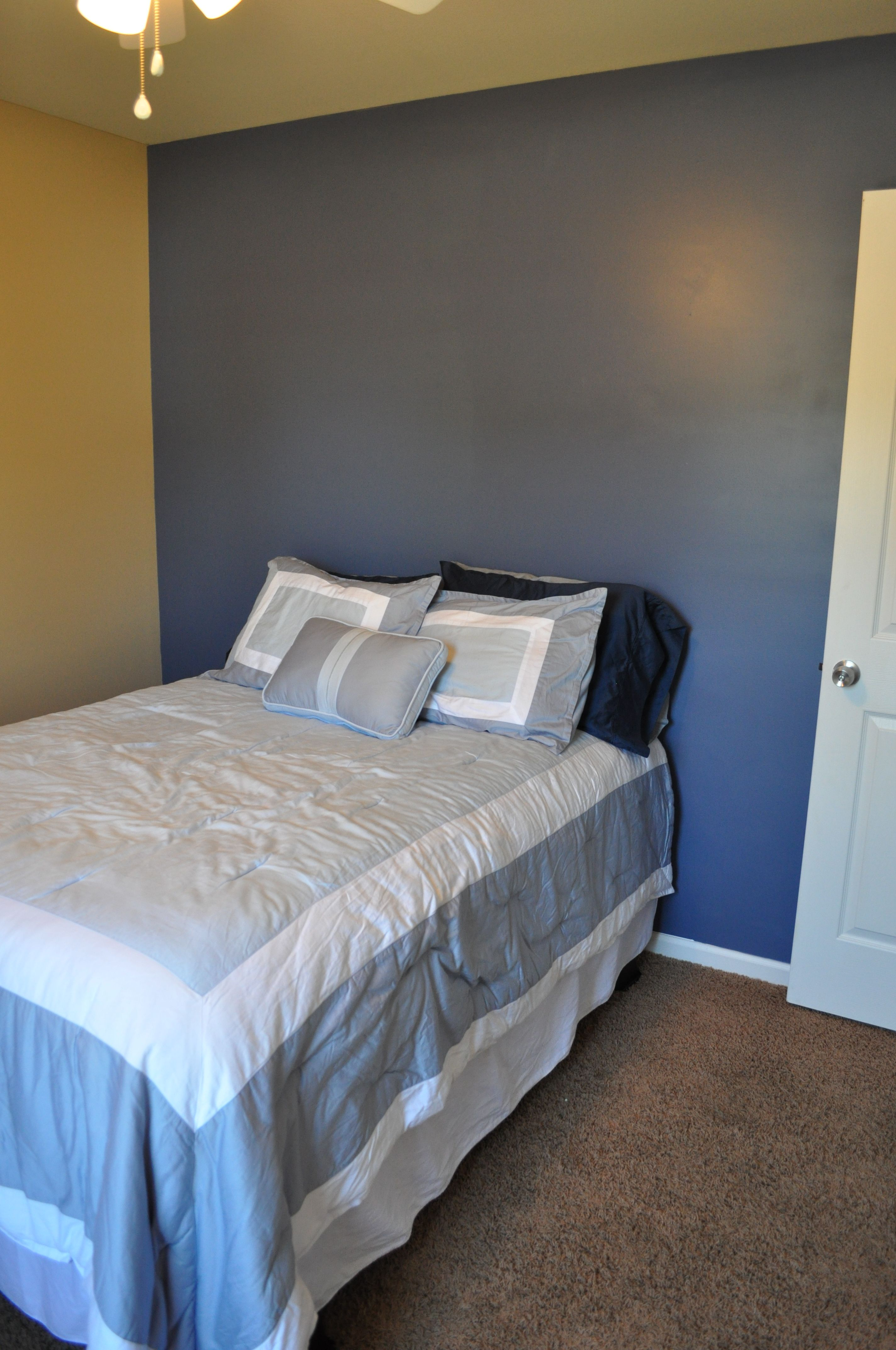our guest bedroom paint colors sherwin williams distance the blue wall and barcelona beige. Black Bedroom Furniture Sets. Home Design Ideas