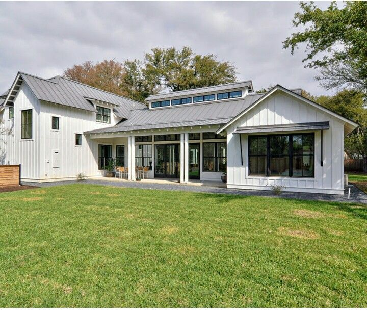 How Modern Farmhouse Exteriors Are Evolving: Pin By Melanie Paddison On Farmhouse Materials