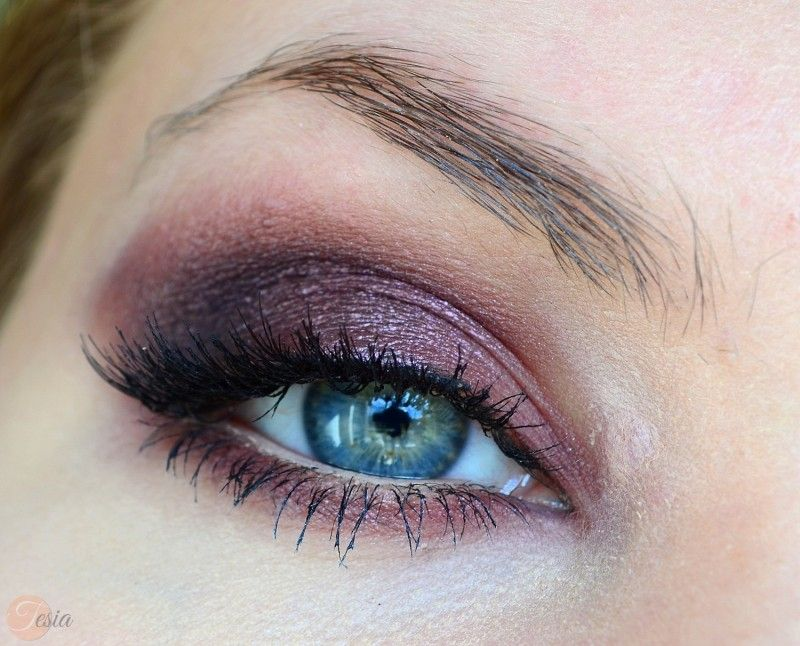 'Drama Queen' look by Edyta using Makeup Geek's Corrupt, and Drama Queen eyeshadows along with Enchanted pigment.